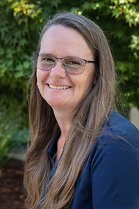 Lynn Reimer headshot headshot